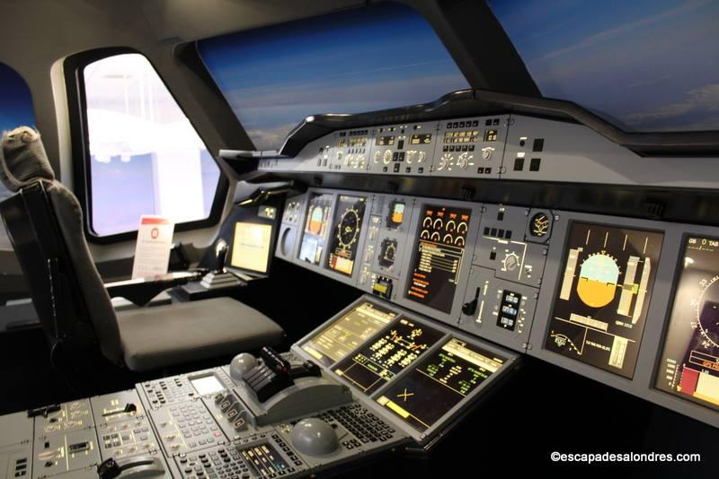 Testez vos talents de pilote avec l'Emirates Aviation Expérience