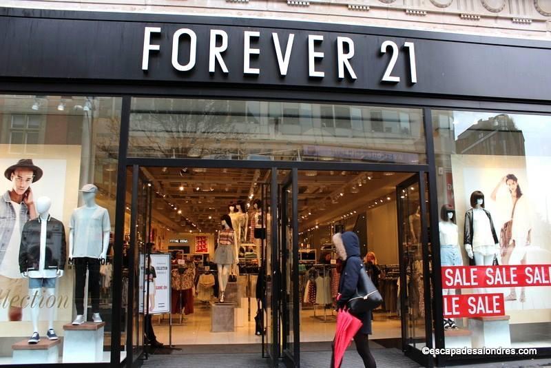 4c3fedc63c0 Forever 21 la marque Américaine de prêt à porter à Londres
