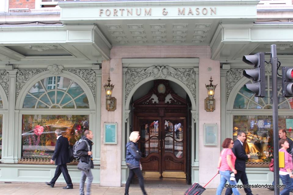 Fortnum mason ce grand magasin au raffinement so chic so british - Bon plan shopping londres ...