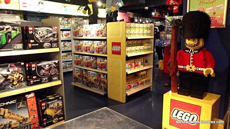 Hamleys toys store london sur r gent street - Grand magasin de jouet londres ...