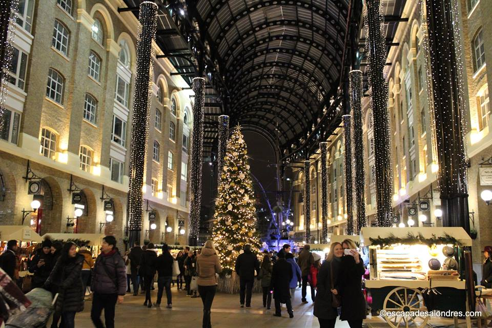 Hays galleria christmas tree