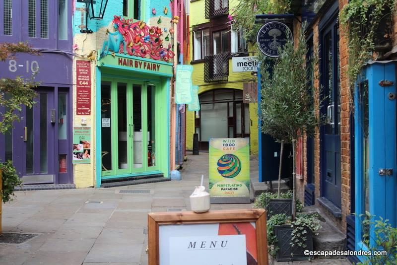 Pleasing Neals Yard  Ce Petit Havre Discret Au Centre De Londres With Licious Neals Yard Covent Garden With Breathtaking Wooden Garden Hammock Swing Also Backyard Garden Ideas In Addition Fairy Dish Gardens And East Winter Gardens Canary Wharf As Well As In The Night Garden Cake Pops Additionally Westonbirt Garden Centre From Escapadesalondrescom With   Licious Neals Yard  Ce Petit Havre Discret Au Centre De Londres With Breathtaking Neals Yard Covent Garden And Pleasing Wooden Garden Hammock Swing Also Backyard Garden Ideas In Addition Fairy Dish Gardens From Escapadesalondrescom