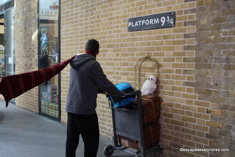 The harry potter shop platform 9 - Gare king cross londres ...