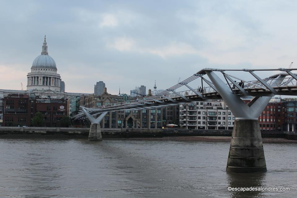 Queen s walk london