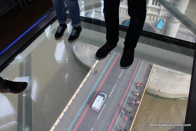 Le Tower Bridge Exhibition et son plancher de verre