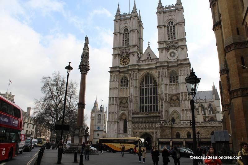 L'Abbaye de Westminster, théâtre royal du défilé croisière ...