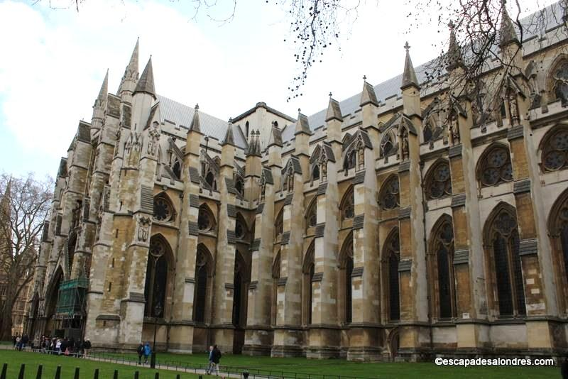 Façade du portail nord de l'Abbaye de Westminster ...
