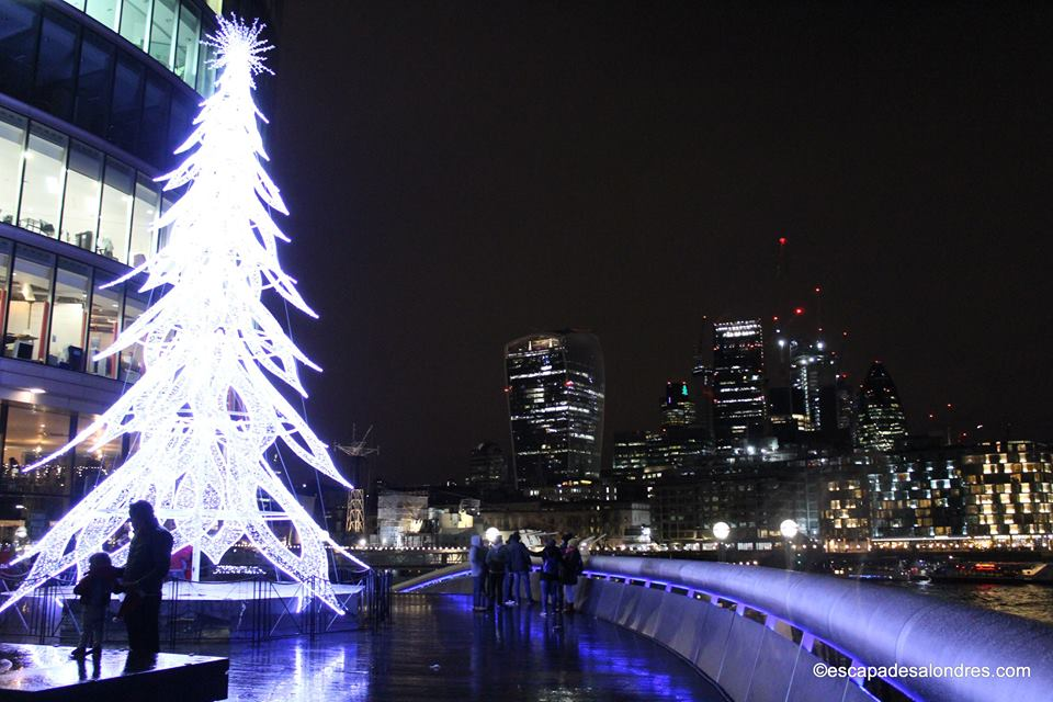 More london riverside christmas tree