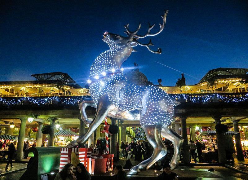 Noël à Londres©Charles D P Miller