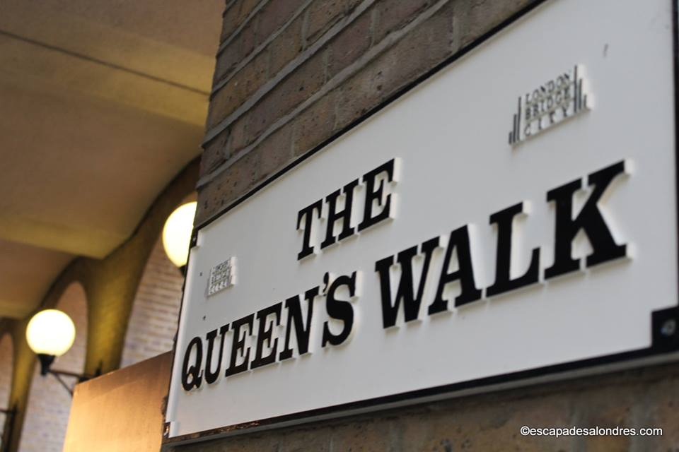 Queen' s Walk London